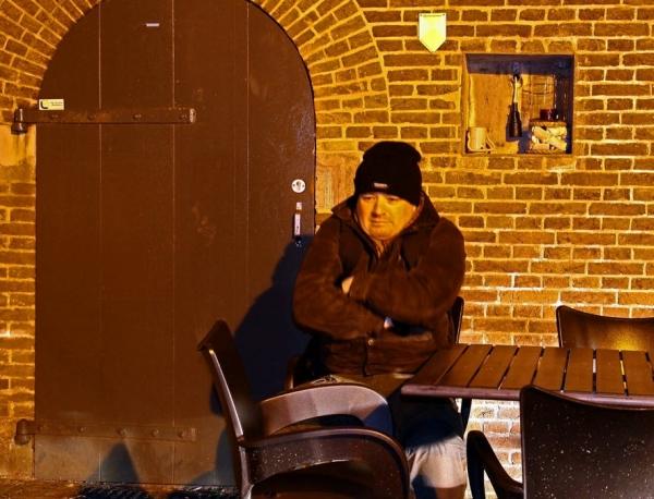 Peter van Veen tijden de Fotowandeling Avondfotografie in Woudrichem