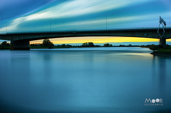 Lange Sluitertijd Fotografie bij de IJsselbrug te Zwolle